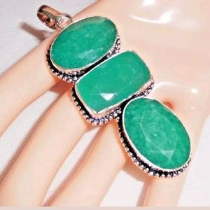 Jewelry - 138 Ct.t.w. Artisan Emerald 925 Silver Pendant
